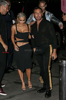 Kim-Kardashian-Mert-and-Marcus-Book-Launch-in-New-York--09+%7E+SexyCelebs.in+Exclusive.jpg