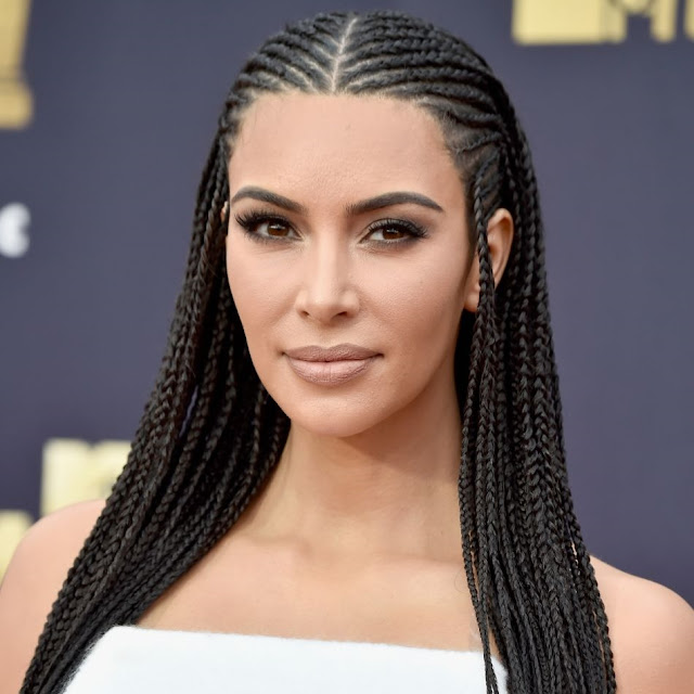 penteado kim kardashian movie tv awards