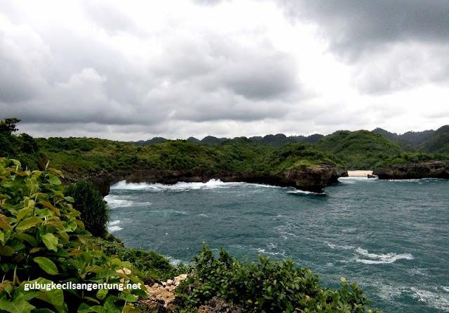 view dari pulau kalong