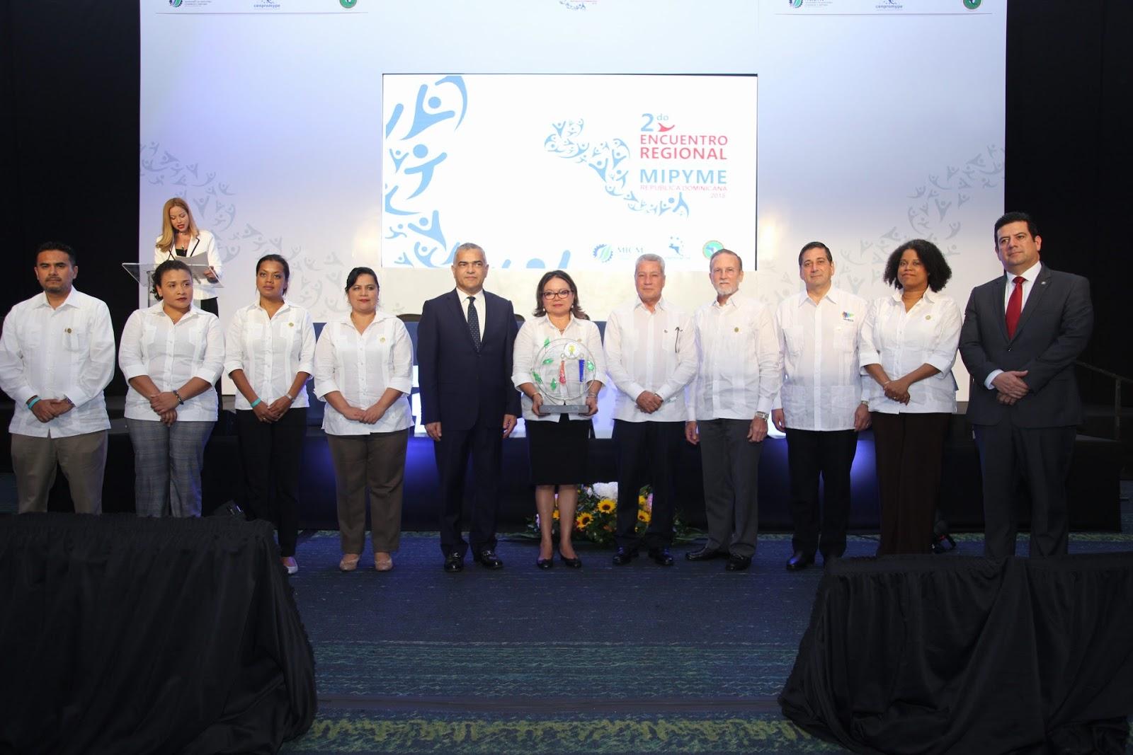 Inicia Segundo Encuentro Regional Centros Atención Mipyme 2018; CENPROMYPE-SICA reconoce a Danilo por contribuir a crecimiento inclusivo