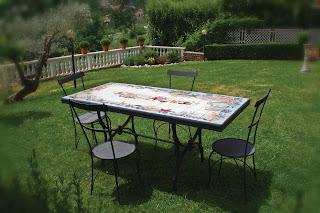 Tavoli Da Giardino In Ceramica Di Vietri.Tavoli Da Giardino Ceramica Di Vietri Tavoli Da Giardino Ceramica