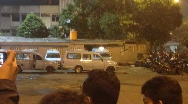 Ledakan di Kampung Melayu, Persimpangan Jalan Otista Ditutup