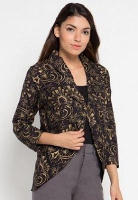 Model blazer batik untuk kerja kantor