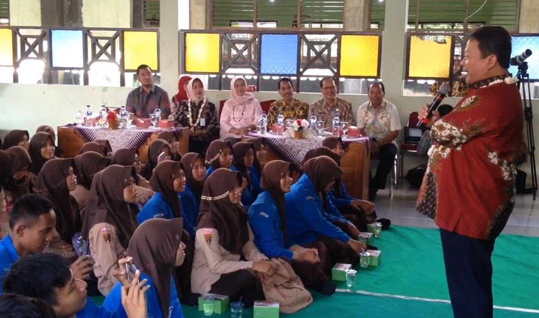 BUMN Mengajar Bersama Bapak Hari Setianto di Purbalingga