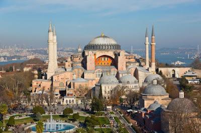 Fakta Menarik Haghia Sophia, Bangunan Bersejarah Yang Pernah Menjadi Tempat Suci Dua Agama di Dunia