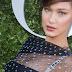 Bella Hadid posa para fotos no lançamento da exibição 'Christian Dior, couturier du rêve' comemorando 70 anos de criação, em Paris, França – 03/07/2017