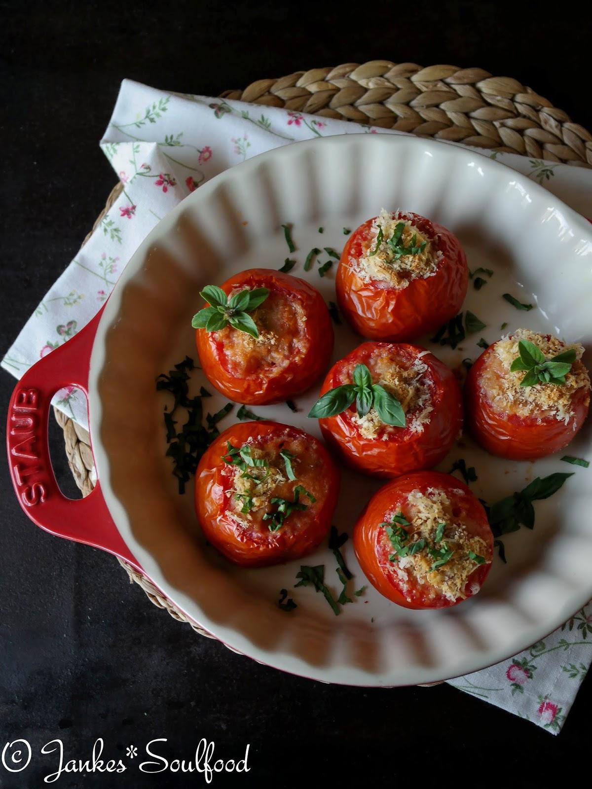 Mit Reis gefüllte Tomaten von Jankes Soulfood