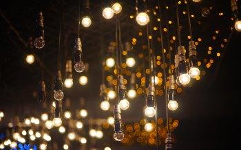 Wallpaper: Light Bulbs