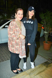 Sonakshi Sinha with her mom