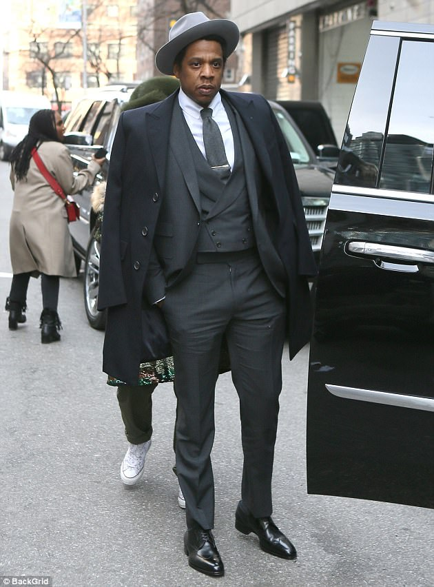 Jay-Z-set-to-move-into-restaurant-business