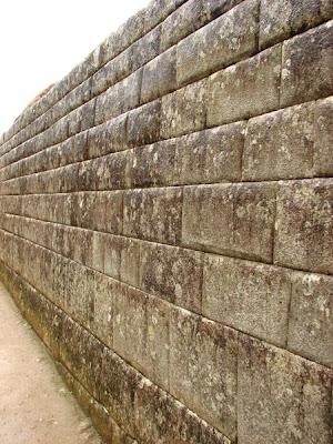 machu picchu da taş duvarlar