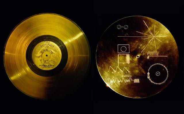 Voyager-1-na-2-vimewekewa-rekodi-mbili-za-dhahabu-ambazo-zinasauti-mbali-mbali-kutoka-Duniani