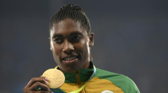 "Caster Semenya, the crowd's favourite, got the biggest applause for her 800-metres victory, with chants ""Caster, Caster"". By Eric Feferberg (AFP/File) Johannesburg (AFP) - South Africa's Olympic medallists including track star Caster Semenya received a heroes welcome Tuesday when they arrived from the Games in Brazil."