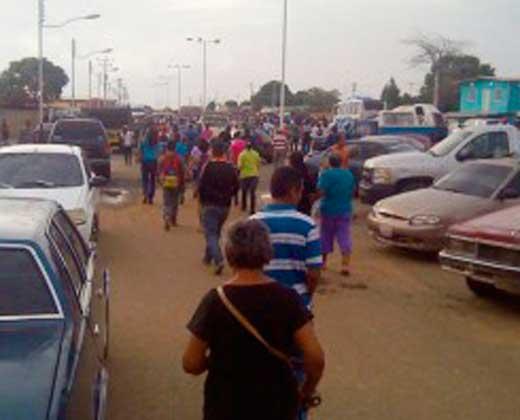 Venta de arroz dejó ocho heridos y 28 afectados por gases en Pariaguán