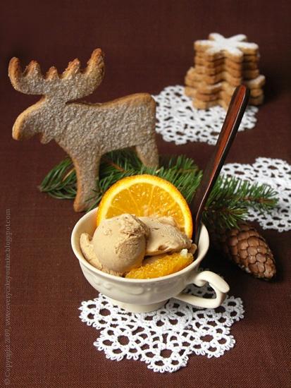 świąteczne lody piernikowe z kandyzowanymi pomarańczami
