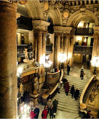 Le Chameau Bleu - Hall de l'Opéra - Une nuit à l'opéra de Paris