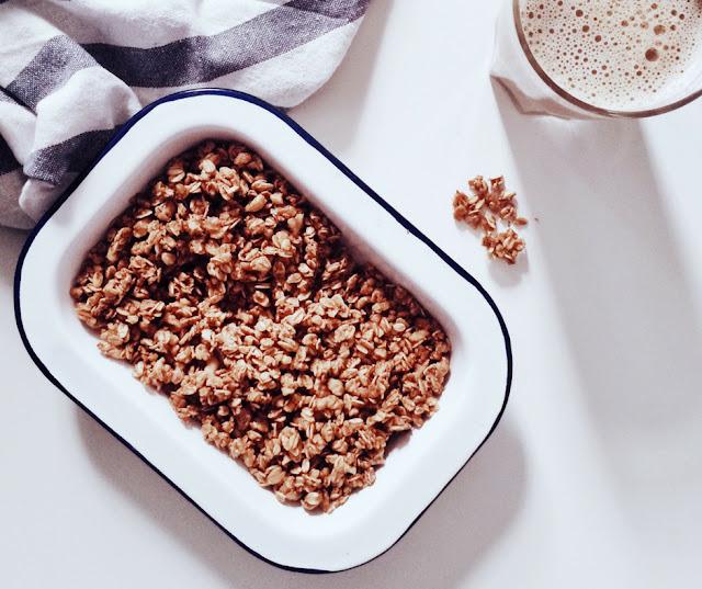 Πραγματικά, η καλύτερη συνταγή για υγιεινή, σπιτική τραγανή Γκρανόλα, έτοιμη σε 30 λεπτά! - Edit Your Life Magazine