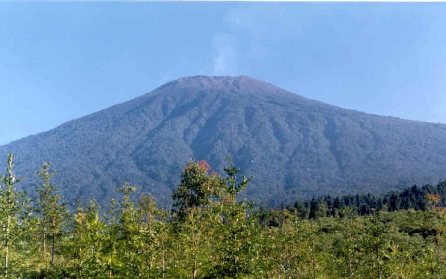 banyaknya gunung di jawa tengah pengetahuan wisata gunung indonesia rh batcaveminis blogspot com gunung di jawa tengah dan jawa timur gunung di jawa tengah dan jawa timur