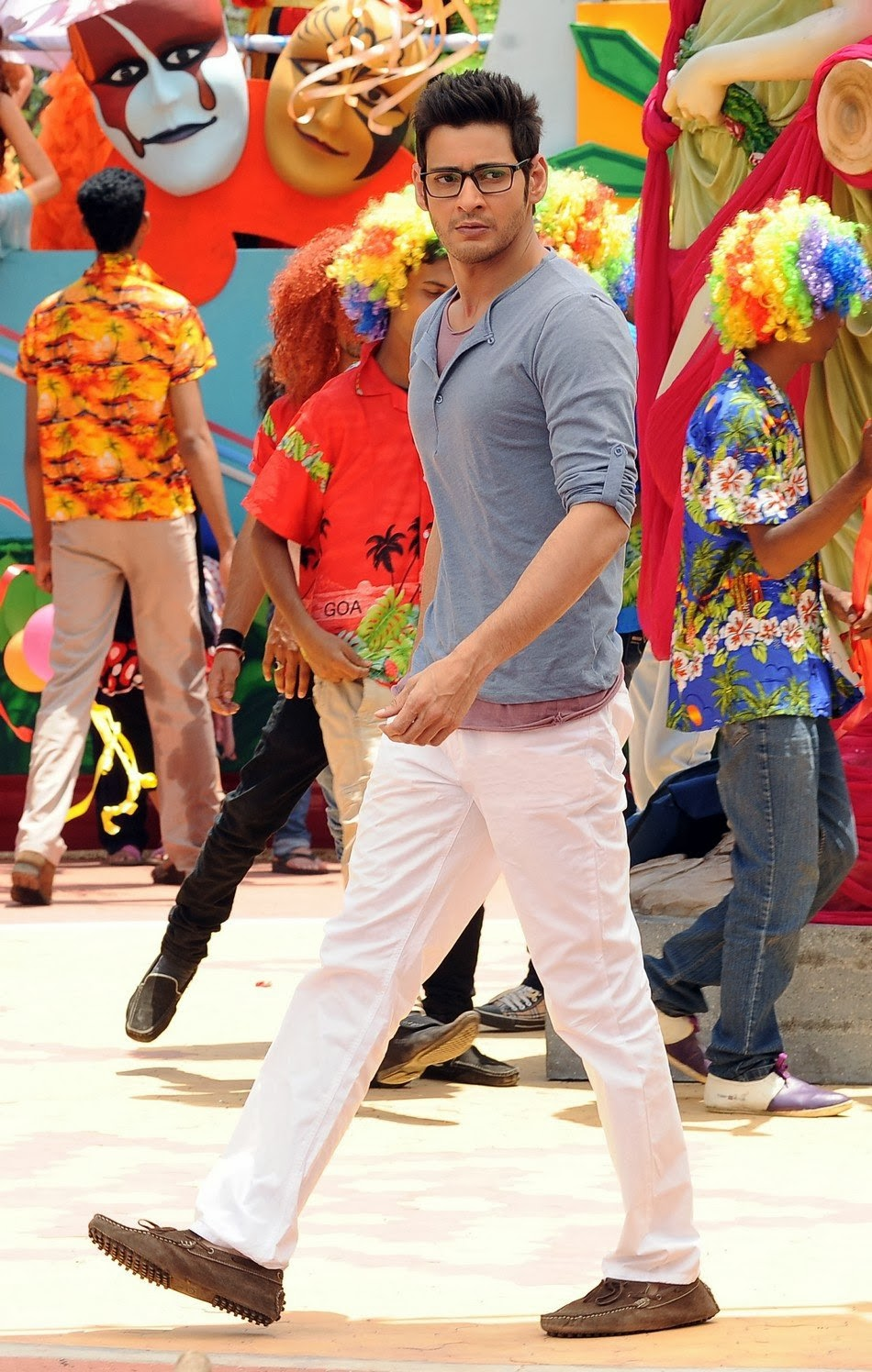 1 nenokkadine telugu movie || rhymes song video song || mahesh.
