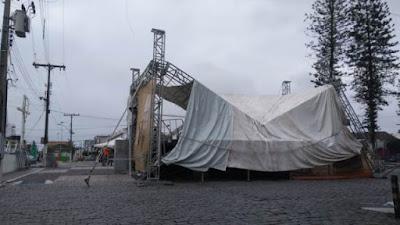 BAHIA / Forte temporal derruba palco da festa da padroeira em conceição do Coité