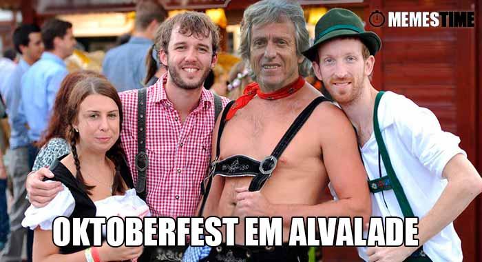 GIF Memes Time… da bola que rola e faz rir - Jorge Jesus assiste na bancada ao Sporting vs Borussia Dortmun, jogo a contar para o Grupo F da Champions - Oktoberfest em Alvalade