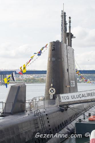 müze kıyısındaki Uluçreis gezilebilen denizaltısı, Rahmi M. Koç Müzesi İstanbul