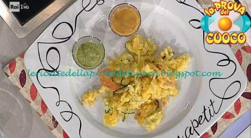 Ricetta delle Verdure fritte con pesto di insalata e maionese di pomodoro da La Prova del Cuoco
