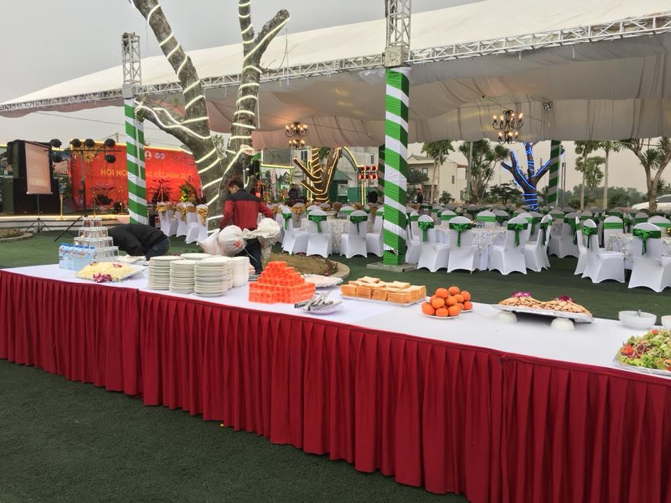 Tiệc tất niên tại Làng Quốc Tế Thăng Long | Dịch vụ nấu cỗ tại nhà ...