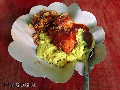 Nasi Kuning Mama Yaya Malang