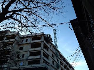 """FOTO: Macara prăbuşită peste noul corp al Spitalului de Copii """"Louis Ţurcanu"""""""