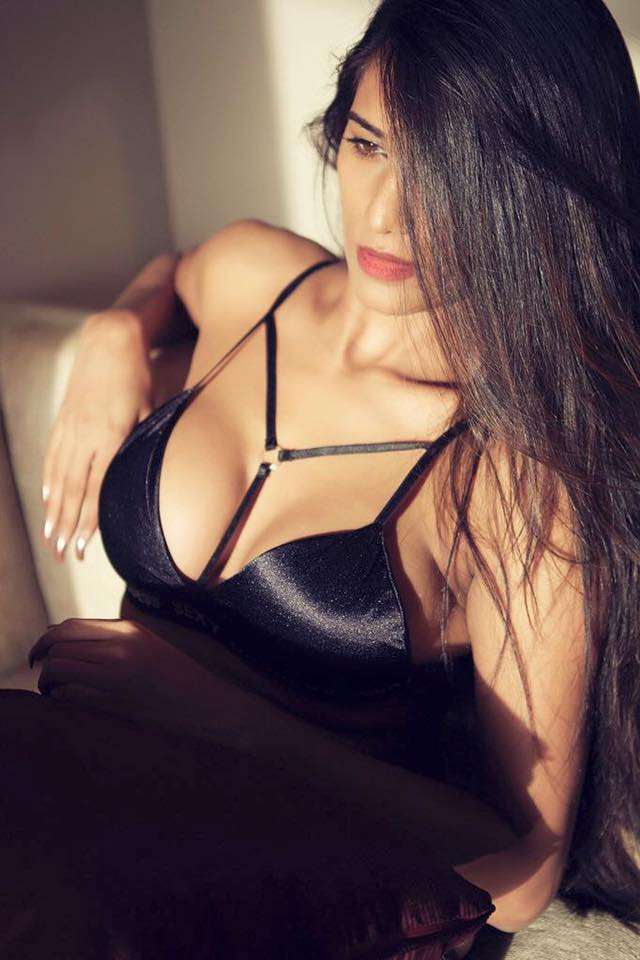 Poonam Pandey Latest Hot Sexy Pics