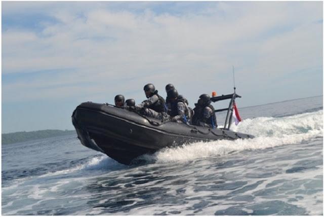 Mantap Jiwa..! Dibentak KOPASKA, Kapal Tentara Laut Diraja Malaysia & Marine Police Langsung CIUT dan KABUR...!