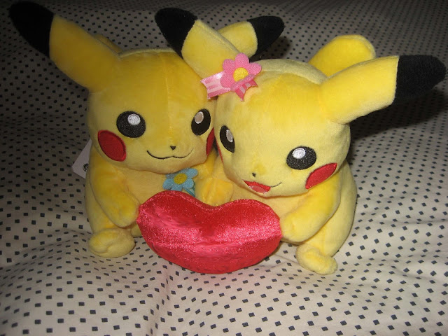 Pikachu Perfect Pair plushies romantic couple heart