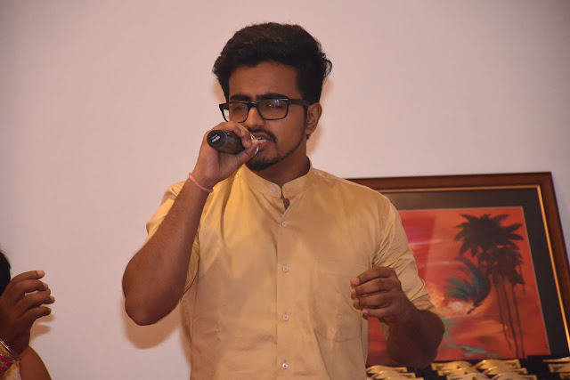 19. Singer Rishabh Mishra performing