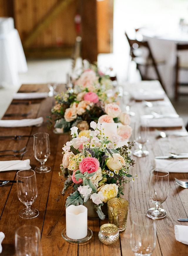 Jesienne wesele w stodole, jesienne dekoracje na wesele, wesele w stylu rustykalnym, rustykalne wesele, dekoracje stodoły na wesele