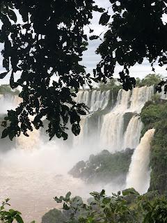 Lugares, LolaMento, Lola Mento, ilustraciones Lola Mento, ilustraciones LolaMento, carolina nebbia, viajes, cataratas del Iguazú, Puerto iguazú