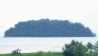 Berwisata ke Pulau Mandalika Jepara