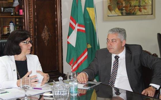 COMCAM: Governo do Estado atende pedidos de Douglas Fabrício para melhorias na educação