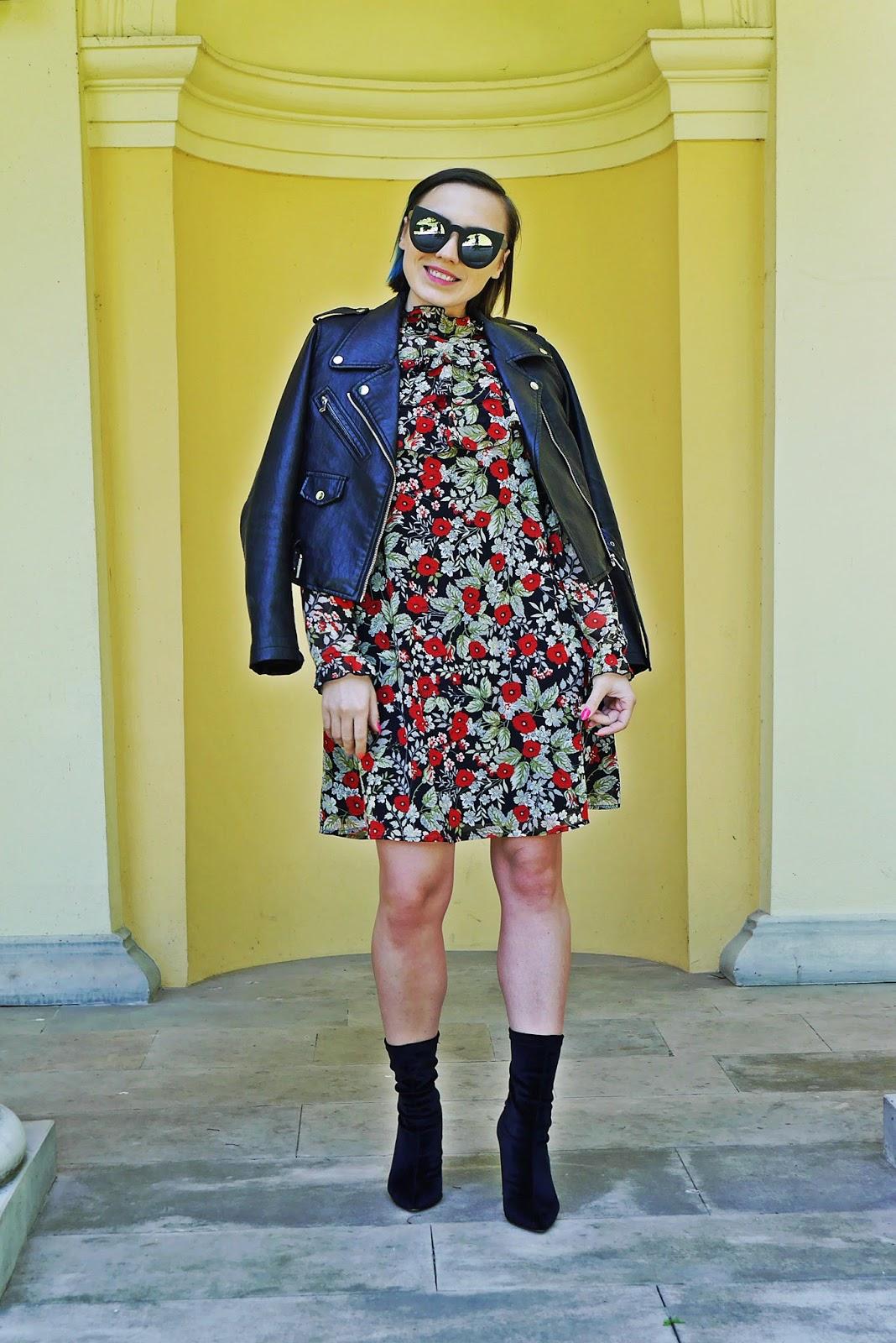 6_sukienka_falbanki_kwiaty_bonprix_skarpetkowe_botki_renee_karyn_blog-Modowy_140518