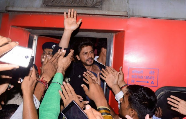 SRK, Train Journey, Raees Promotion