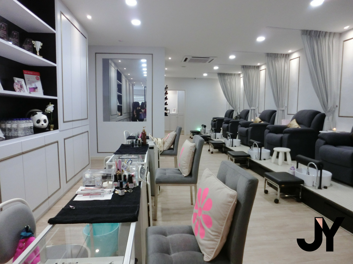 Beauty | Posh! Nail Spa x Butterfly Soiree | a blog by Yumi Meiki