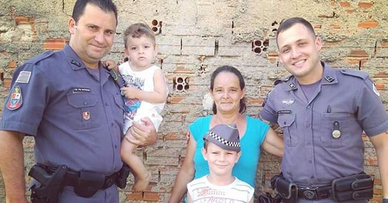 Menino pede cesta de natal em cartinha ao 26º BPMI e recebe visita de PMs em casa