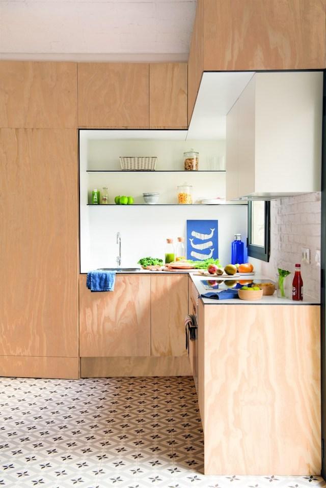 Cocina de madera pequeña a medida