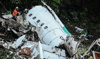 Papa Francisco ordeno derribar el avión con futbolistas de Chapecoense.