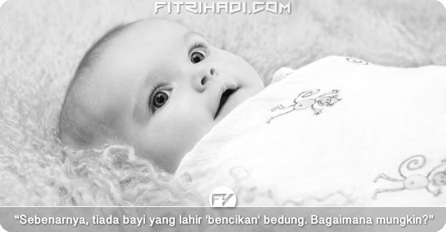 (Artikel) Benarkah Bayi Tak Suka Dibedung?