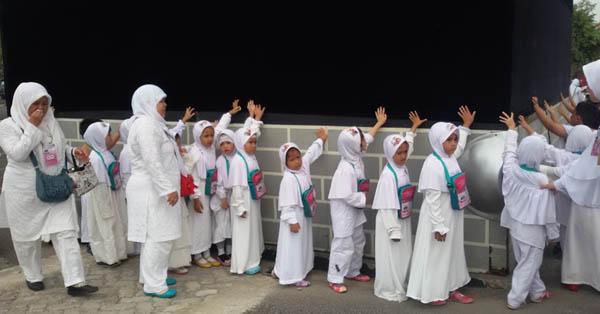 TK Bina Insan Mandiri Gelar latihan manasik haji