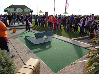 Playing the potential round-killer second hole at Hastings Crazy Golf course in my last tilt at the title back in 2015