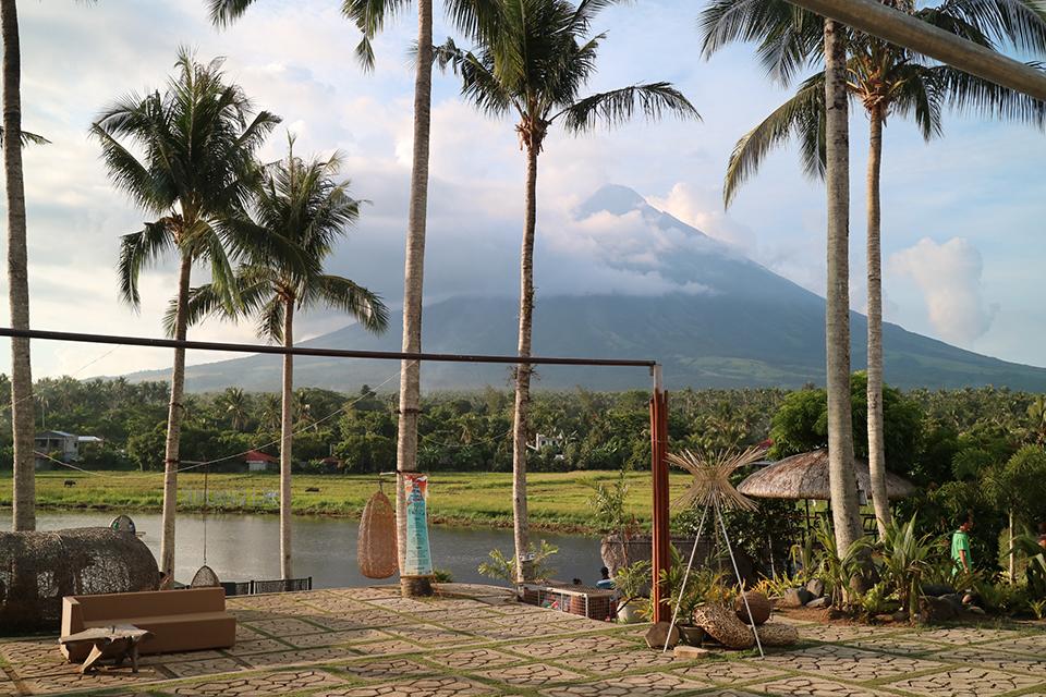 sumlang lake, camalig, albay
