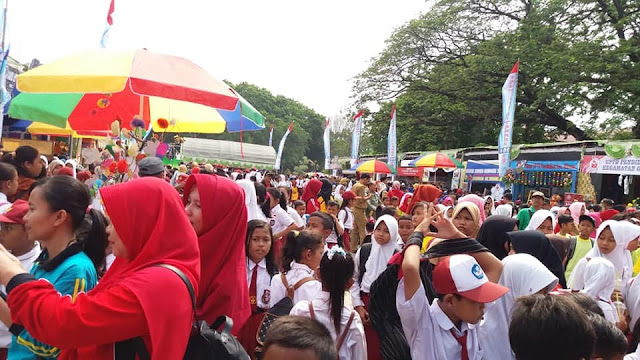Festival Literasi di Alun-alun Purwodadi Dipenuhi Pengunjung