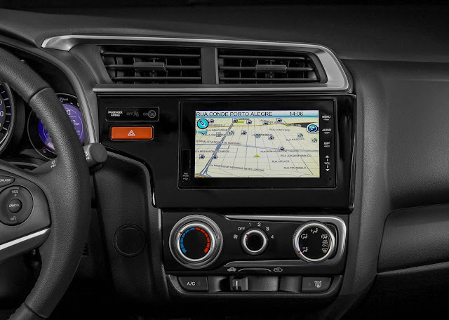 Honda Fit 2017 - interior com GPS